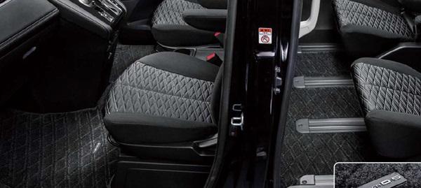 『デリカD:5』 純正 CV1W フロアマット(吸・遮音機能付) パーツ 三菱純正部品 フロアカーペット カーマット カーペットマット オプション アクセサリー 用品