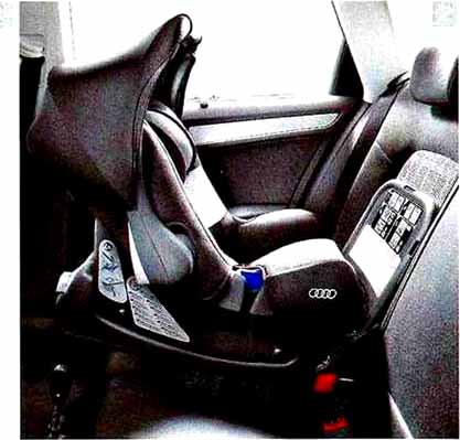 A5・S5 パーツ Audi ベビーシート(G0) アウディ純正部品 8TCDNF 8TCGWL オプション アクセサリー 用品 純正 送料無料