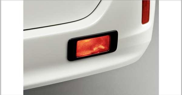 『エスクァイア』 純正 ZWR80G ZRR80G リヤフォグランプ 本体のみ ※スイッチは別売 パーツ トヨタ純正部品 フォグライト 補助灯 霧灯 オプション アクセサリー 用品