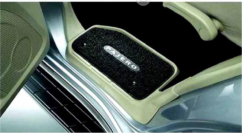 『パジェロ』 純正 V83W ステップマット パーツ 三菱純正部品 PAJERO オプション アクセサリー 用品