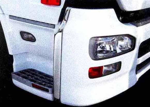 クオン パーツ メッキバンパーエンドカバー エアダム付車左右セット 日産ディーゼル純正部品 CD系~ オプション アクセサリー 用品 純正 メッキ