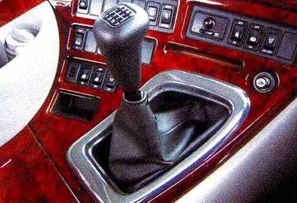 クオン パーツ メッキ調シフトプレート M/T車 日産ディーゼル純正部品 CD系~ オプション アクセサリー 用品 純正 メッキ