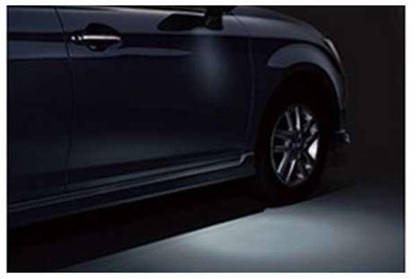 『カローラフィールダー』 純正 ZRE162G NZE1 ウェルカムライト 運転席 パーツ トヨタ純正部品 イルミネーション 明かり 照明 fielder オプション アクセサリー 用品