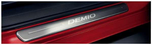 『デミオ』 純正 DJ3FS スカッフプレート パーツ マツダ純正部品 ステップ 保護 プレート DEMIO オプション アクセサリー 用品