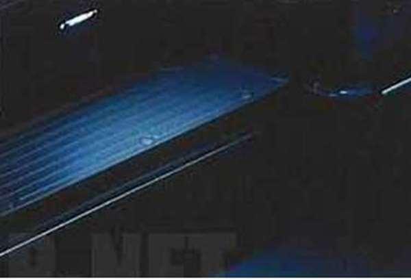 『キャラバン』 純正 QR200E QR25DE ZD30DDTI エントランスイルミネーション(スライドドア用) 左右セット パーツ 日産純正部品 CARAVAN オプション アクセサリー 用品
