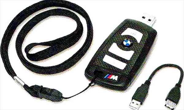 "Z4 パーツ BMWリモート・コントロール・キー型""M""USBメモリー・スティック8GB BMW純正部品 LL20 LM30 LM35 オプション アクセサリー 用品 純正"