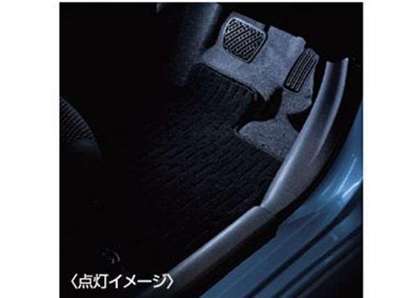 フットランプイルミネーション(白色発光) *SRSカーテンエアバッグシステム付車 ノート E12