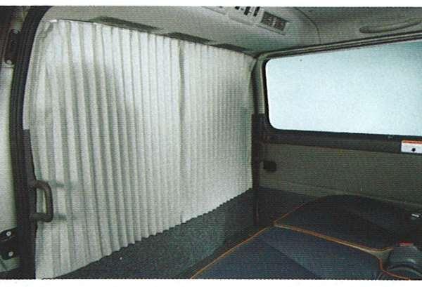 『キャラバン』 純正 VPE25 フロントカーテン M7TG0 パーツ 日産純正部品 CARAVAN オプション アクセサリー 用品