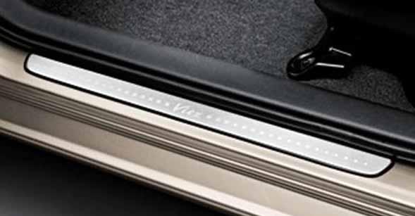 『ヴィッツ』 純正 NCP131 スカッフプレート パーツ トヨタ純正部品 ステップ 保護 プレート vitz オプション アクセサリー 用品