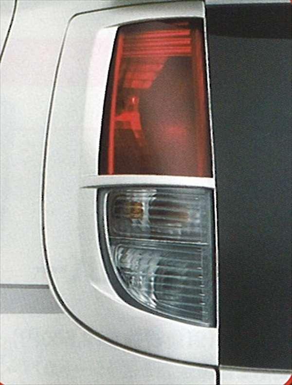 『MRワゴン』 純正 MF22 リヤランプガーニッシュ パーツ スズキ純正部品 リアガーニッシュ パネル カスタム mrwagon オプション アクセサリー 用品