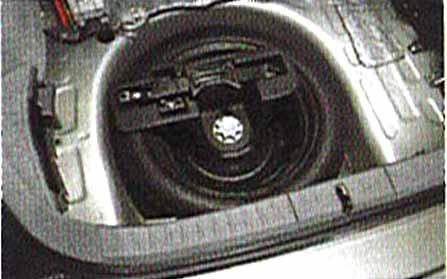 『プリウス』 純正 NHW20 スペアタイヤ 本体 パーツ トヨタ純正部品 prius オプション アクセサリー 用品