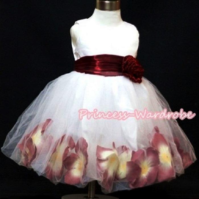 9a9276fd2 Princess-Wardrobe (Princess wardrobe) □ petals with kids dress of white  tulle ...
