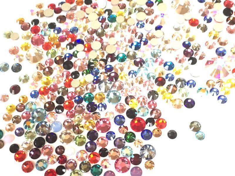 Swarovski 正規品 定番色から廃盤色まで1粒づつ入り ミックス ランダム 驚きの値段で ラインストーン デコレーション 50粒 サイズカラーMIX #2028 #2088 #2058 スワロフスキー ランキング総合1位