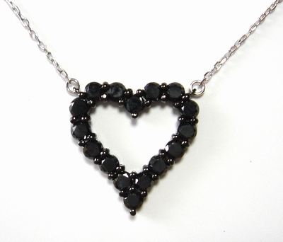 【予約】大胆大振りオープンハート計1.60ctUPブラックダイヤモンドネックレス