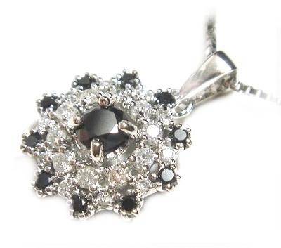 【予約】ひまわりのように凛とした輝き計0.70ctダイヤ&ブラックダイヤネックレス