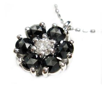 【予約】【ローズカット】花形計0.72ct ダイヤ&ブラックダイヤペンダント