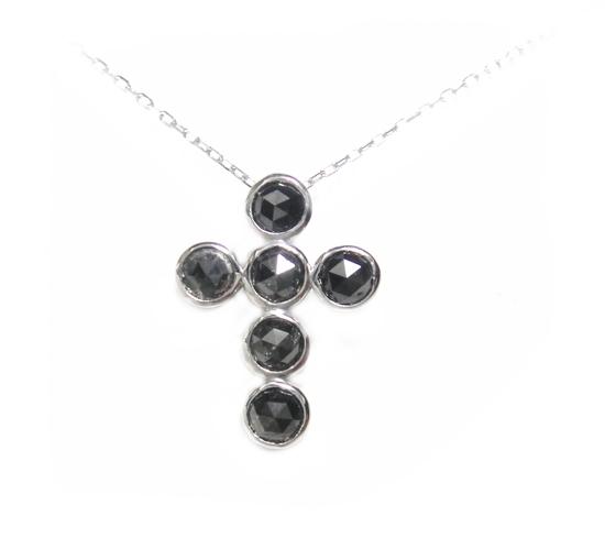 【予約】【ローズカット】包み込む6石フクリン留め♪クロス計1.00ctブラックダイヤモンドネックレス