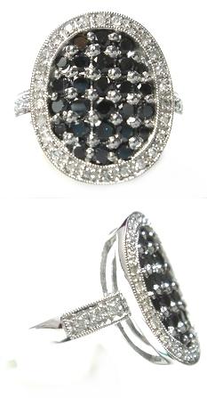 【予約】【ジュエリーベストドレッサー】モデルオーバル取り巻き計1.00ctブラックダイヤリング