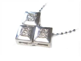 【予約】【2WAY】【スリーストーン】変化する輝き計0.18ctダイヤモンドネックレス