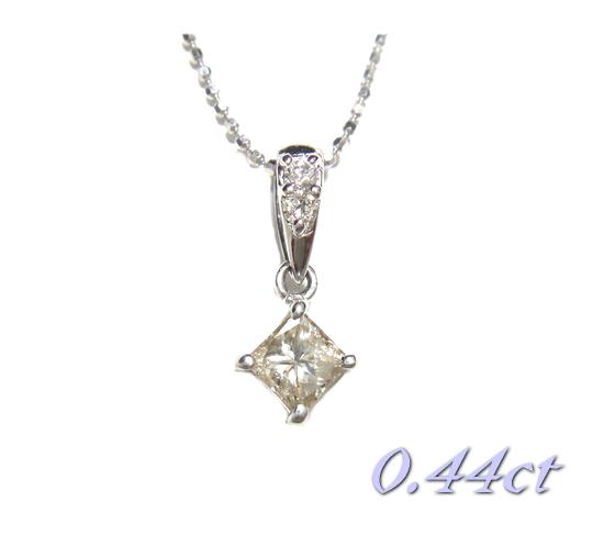 【限定】揺れるファンシースクエア計0.44ctUPダイヤモンドネックレス