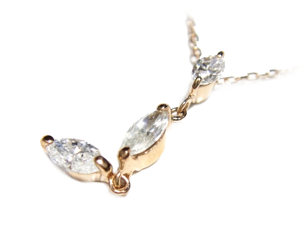 【予約】【スリーストーン】動きあるマーキスカット計0.42ctUPダイヤモンドピンクゴールドネックレス