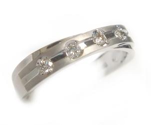 【予約】素敵なホーニンライン5石!計0.15ctダイヤモンドリング