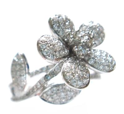 【予約】【マイクロセッティング】アートを越える花形ジュエリーパヴェ計0.50ctダイヤモンドリング