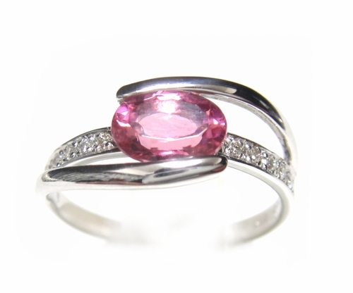 【予約】オーバルピンクの主張!大振り0.80ctUPピンクトルマリン&ダイヤリング