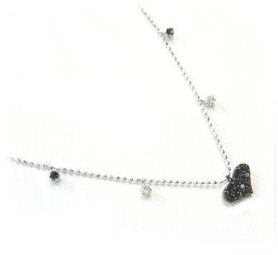 【予約/在庫】【小悪魔ステーションネック】ハート0.35ctブラックダイヤモンド&ダイヤネックレス