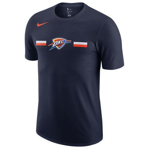 (取寄)ナイキ メンズ NBA ロゴ ストライプ Tシャツ オクラホマ シティ サンダー Nike Men's NBA Logo Stripe T-Shirt オクラホマ シティ サンダー College Navy