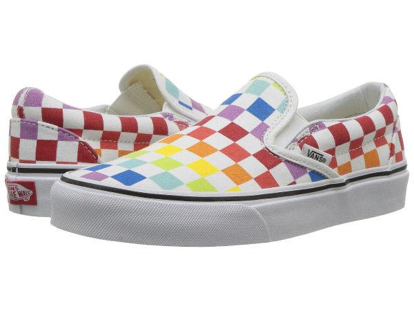 (取寄)Vans(バンズ) スニーカー クラシック スリップーオン メンズ Vans Men's Classic Slip-On (Checkerboard) Rainbow/True White
