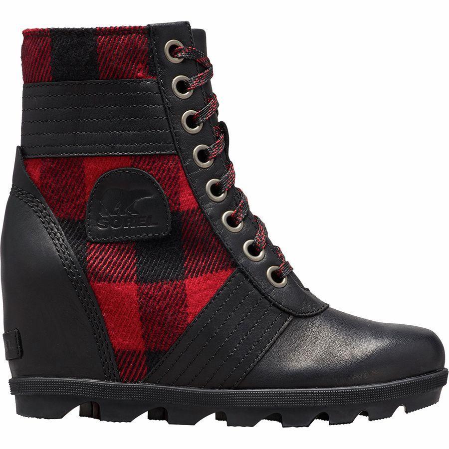 【トレッキング クライミング アウトドア 登山靴】 【レディース シューズ ブーツ 大きいサイズ】 (取寄)ソレル レディース レクシー ウェッジ ブーツ Sorel Women Lexie Wedge Boot Black Red Plaid