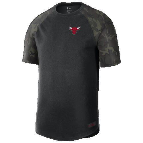 (取寄)ナイキ メンズ NBA コートサイド カモ Tシャツ シカゴ ブルズ Nike Men's NBA Courtside Camo T-Shirt シカゴ ブルズ Black Camo