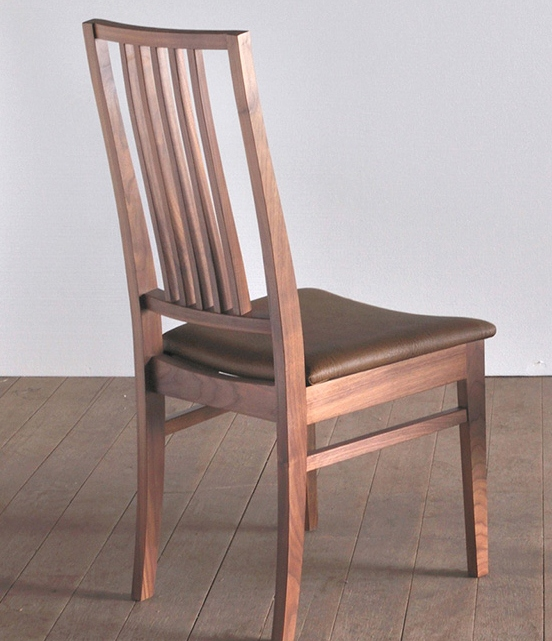 【送料無料】ダイニングチェア オーク おしゃれ 北欧 ミッドセンチュリー 椅子 チェア チェアー 食卓 ダイニング カフェ風 完成品 イス ダイニングチェアー 1人用 一人掛け ナチュラル 天然木 無垢 木製 ファブリック レザー 日本製 大川家具
