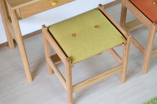 送料無料 デスクチェア 学習チェア スツール ナチュラル×イエロー オーク無垢材 木製 椅子 おしゃれ モダン 北欧 ミッドセンチュリー 高級感 子供