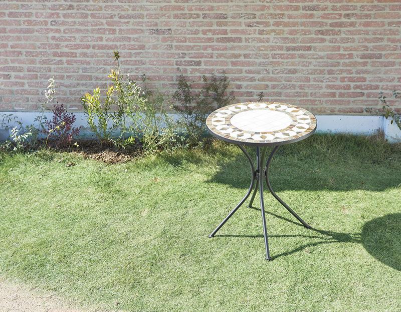 送料無料 ガーデン テーブル単品 (ホワイト) 幅61×奥行61cm モザイクデザイン アイアンガーデンファニチャー バイア テーブル テラス ベランダ 屋外 2人掛け 2人用 コンパクト おしゃれ