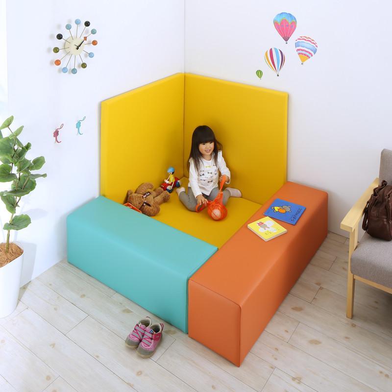 法人様必見。子供に安全安心のコーナー型キッズプレイマット Pop Kids ポップキッズ 5点セット フロアマット1枚+スツール2枚+壁面マット2枚 125×125