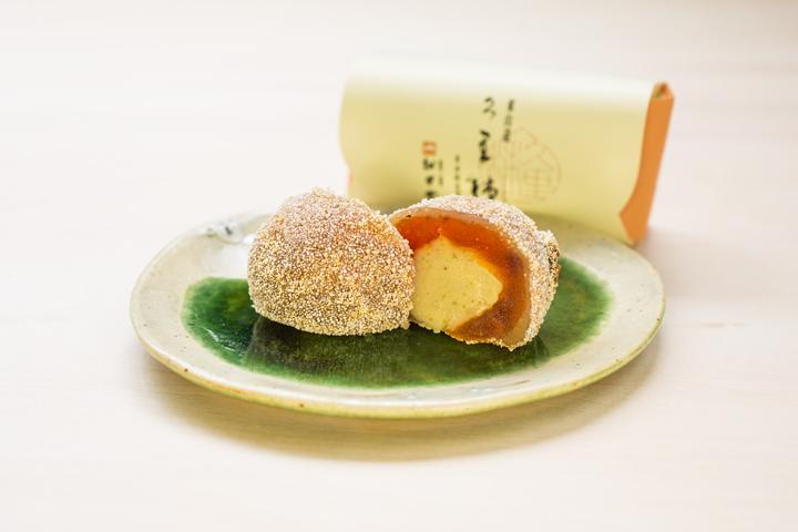 信州市田の干し柿で栗きんとんを包み込んだ逸品でございます。 久里柿(くりがき)(6個入)松月堂 岐阜 中津川 和菓子 お土産 ギフト 老舗 スイーツ 栗きんとん入り干し柿