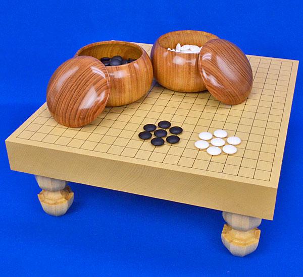 囲碁 新かや2寸一枚板足付碁盤セット(蛤碁石28号・欅碁笥)
