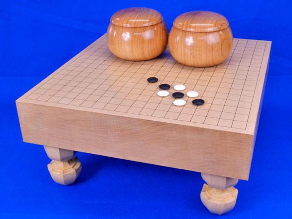 囲碁 新桂3寸足付碁盤セット(蛤碁石28号・桜碁笥大)