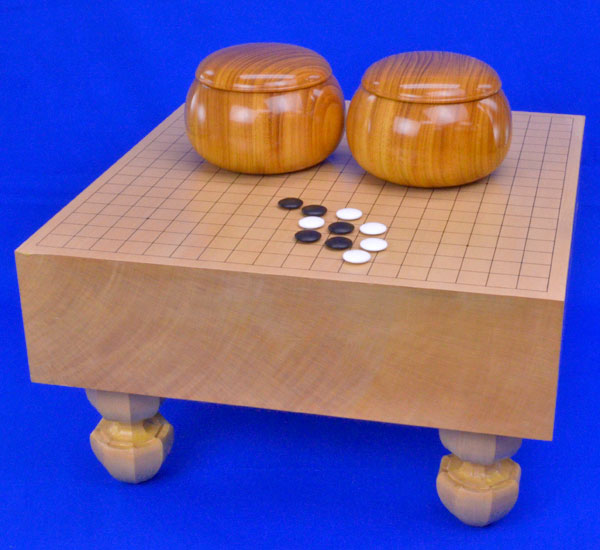 囲碁 新桂4寸足付碁盤セット(蛤碁石30号・木製碁笥欅特大)
