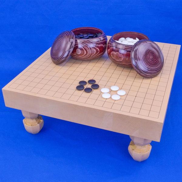 囲碁 新桂2寸ハギ足付碁盤セット(ガラス碁石梅・栗碁笥大)