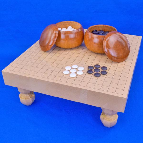 囲碁 新桂2寸ハギ足付碁盤セット(蛤碁石25号・桜碁笥大)