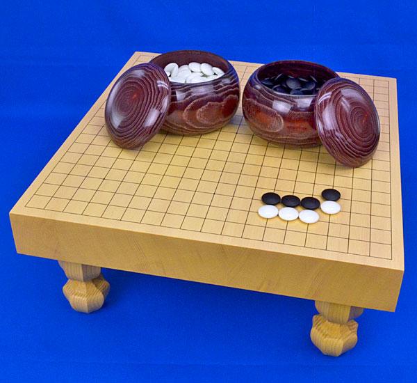 囲碁セット 新かや2寸ハギ足付碁盤セット(ガラス碁石梅・栗碁笥大)