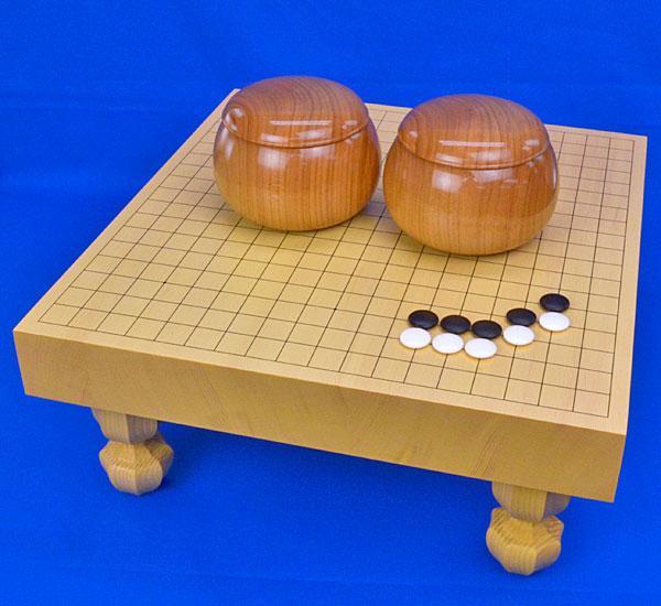 囲碁セット 新かや2寸ハギ足付碁盤セット(蛤碁石30号・欅碁笥)