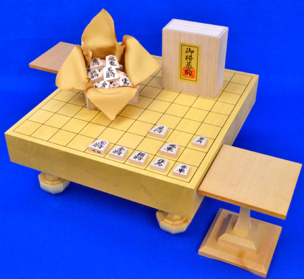 将棋セット ヒバ2寸ハギ足付将棋盤セット(将棋駒白椿上彫駒)