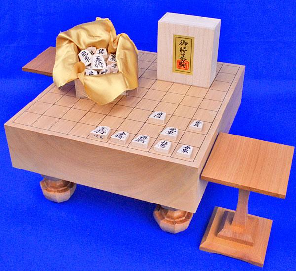 将棋セット 本桂3寸足付将棋盤セット(将棋駒白椿上彫駒)