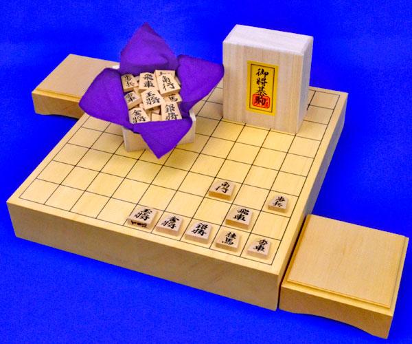 将棋セット ヒバ2寸卓上将棋盤セット(将棋駒黄楊特上彫錦旗書)