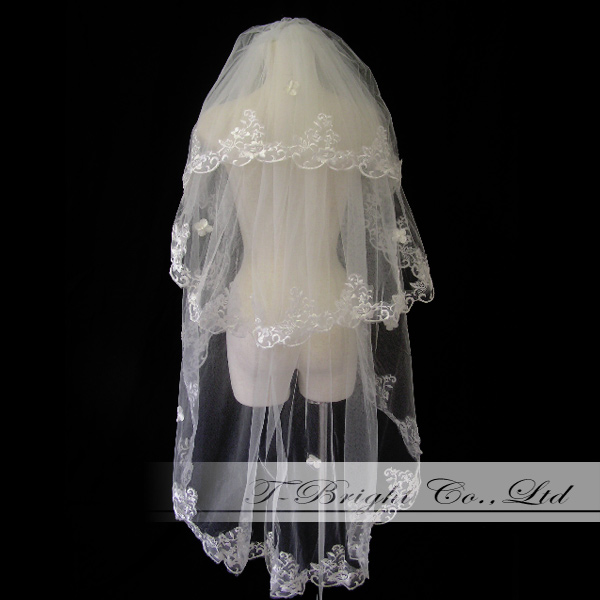 Veil ☆ three steps veil ☆ embroidery ★ りぼん ★ off-white (v128) with the れ view one Wedding Veil comb