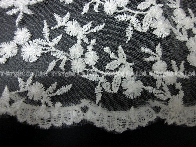 (v0135) with the cute veil comb of the sale wedding veil <off-white> wedding veil floral design embroidery